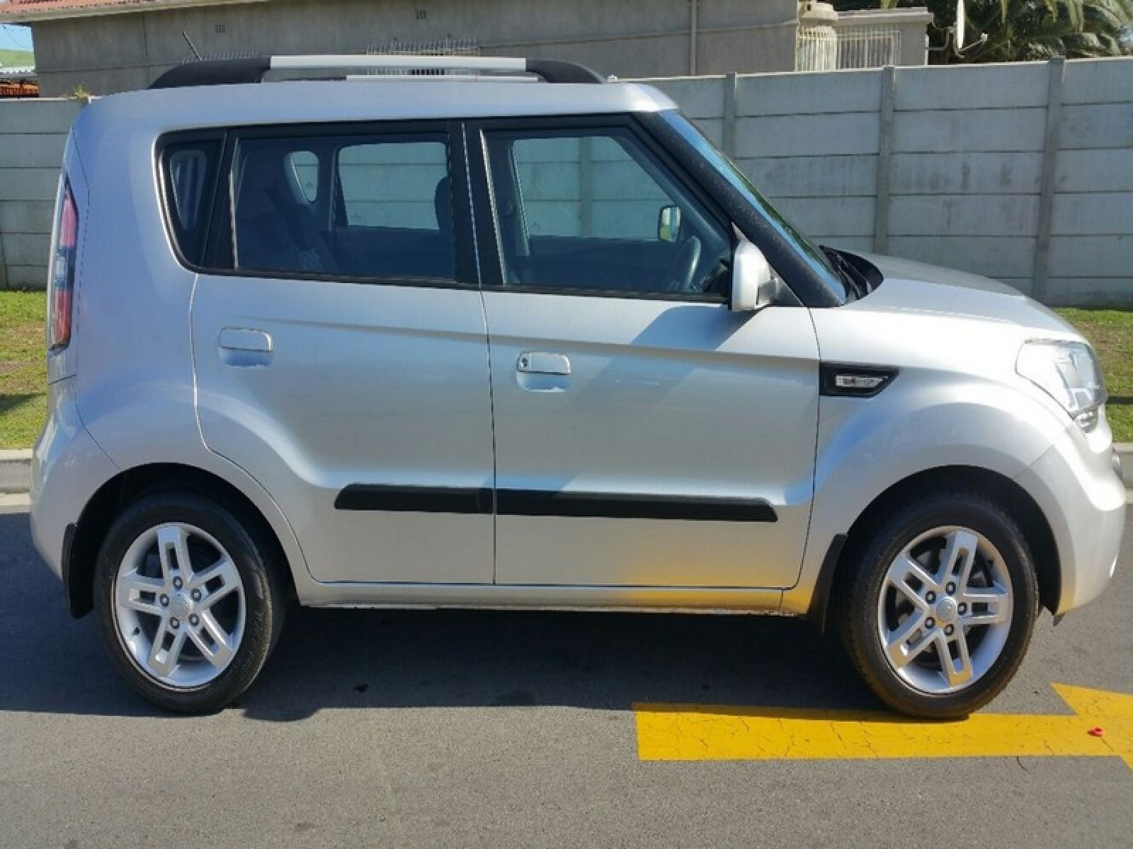 news unveiled soul ev chicago electric h show auto at blue kia car