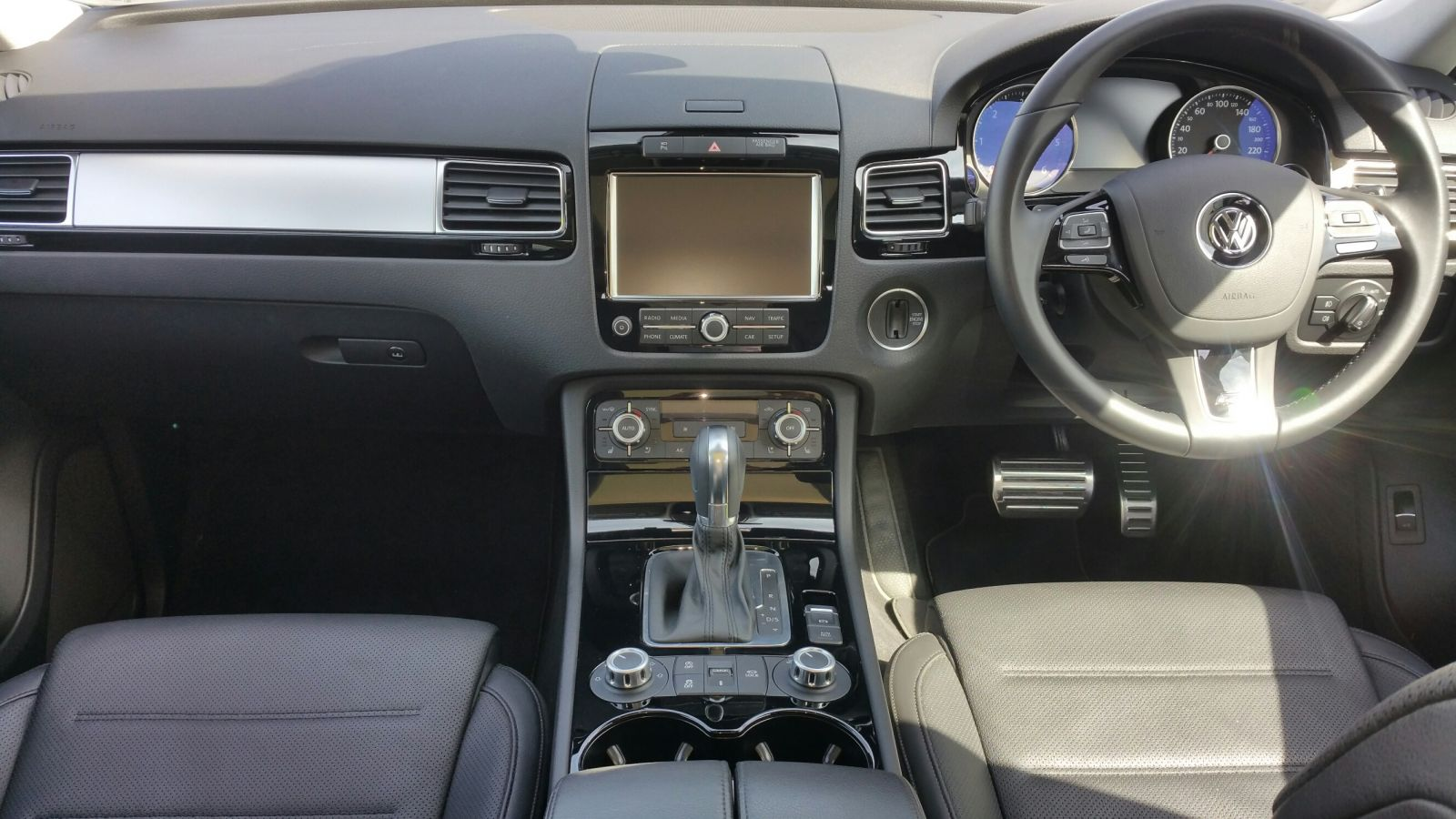 in sportline volkswagen lease automatic touareg a awd price canada cars