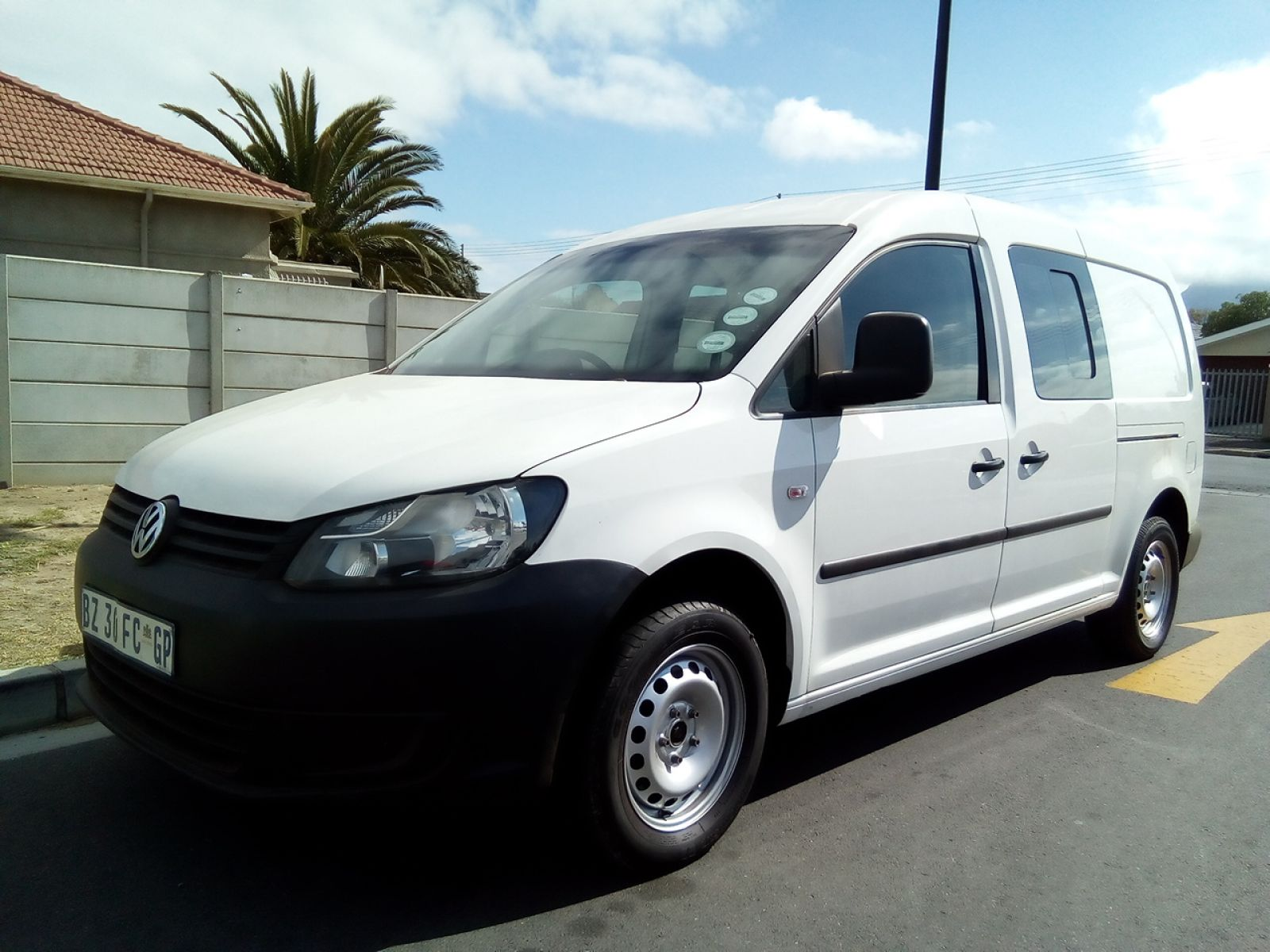 autonet helderberg caddy crew bus caddy maxi 2 0tdi 81kw crewbus p v. Black Bedroom Furniture Sets. Home Design Ideas
