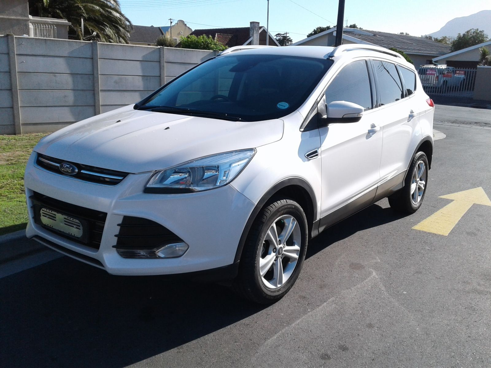 autonet helderberg kuga my16 kuga 1 5 ecoboost ambiente. Black Bedroom Furniture Sets. Home Design Ideas