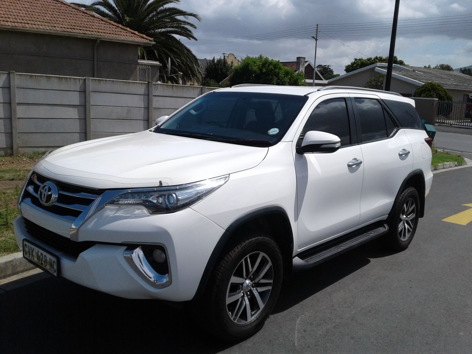 FORTUNER 2.8 GD-6 4X4 A/T