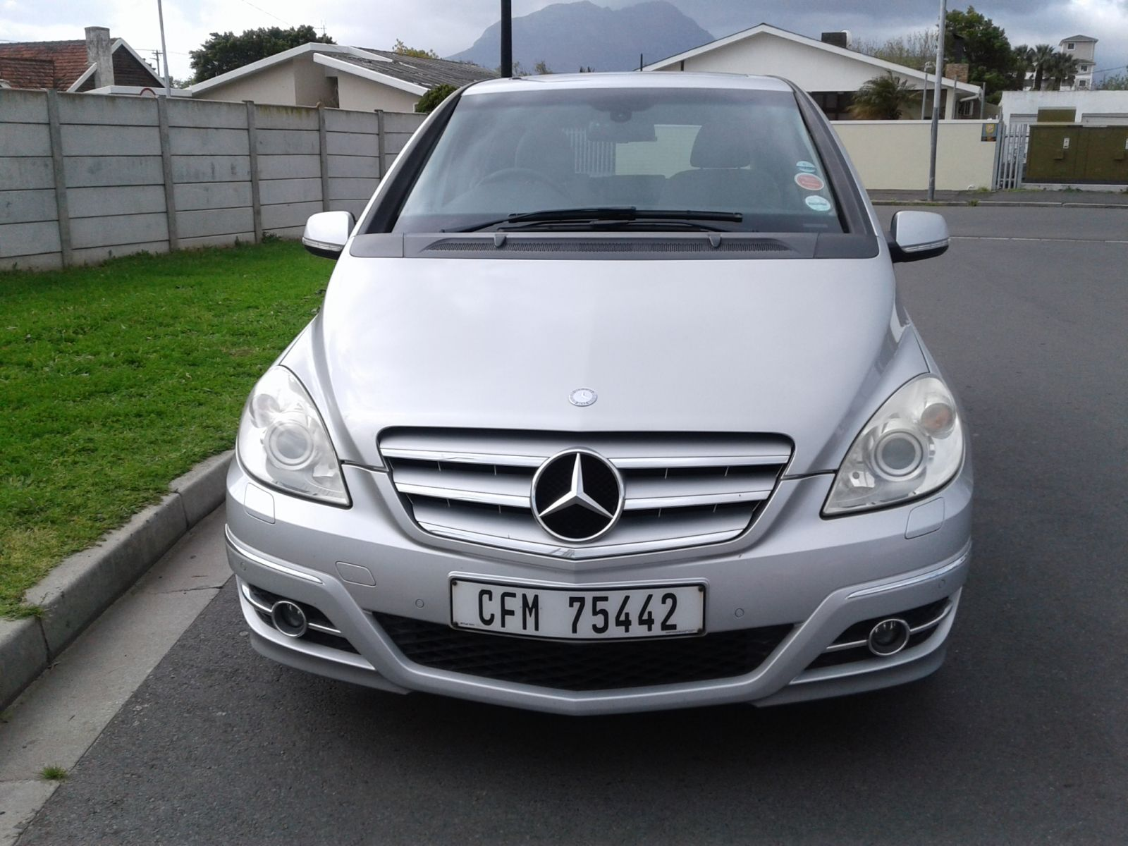 2009 MERCEDES-BENZ B-CLASS B200 TURBO
